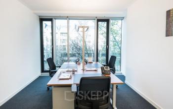 Helles Büro mieten in Berlin Charlottenburg