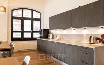 Bürogebäude in Berlin mit moderner Küche