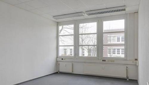 Helle Büroimmobilie mieten in Marzahn an der Landsberger Straße