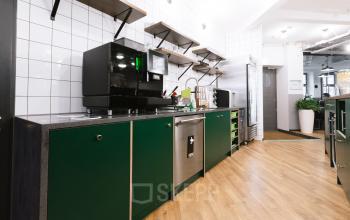 Moderne Küche mit hervorragender Ausstattung