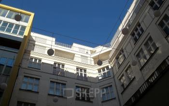 Bürogebäude aus Sicht des Innenhofes