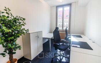 Hellen Büroraum mieten an der Friedrichstraße in Berlin