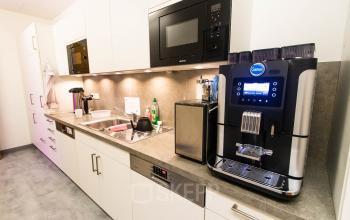 Büroimmobilie mit hervorragender Küche in Berlin Moabit