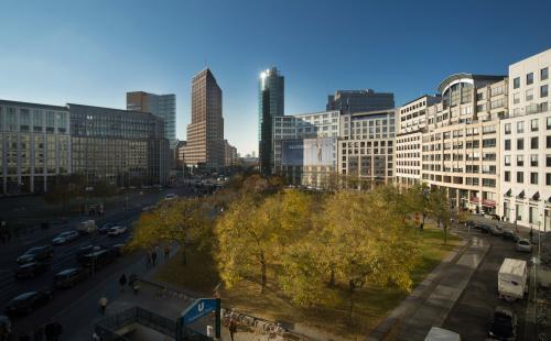 Beeindruckende Umgebung des Business Centers im Herzen Berlins