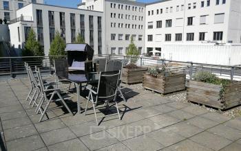 Beeindruckende Dachterrasse des Bürogebäudes in Berlin-Mitte