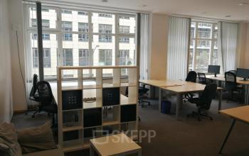 Beeindruckende Büros zur Miete in der Immobilie an der Zinnowitzer Straße in Berlin Mitte