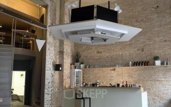 Beeindruckende Küche im Bürogebäude in Berlin, Neukölln