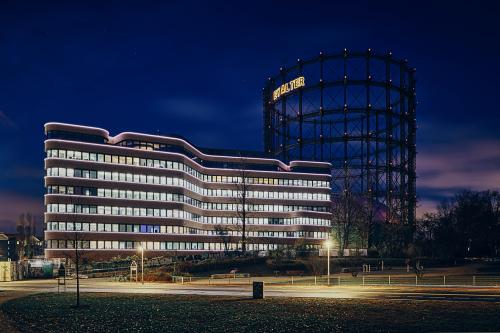 Beeindruckende Außenansicht des Bürogebäudes in Berlin Schöneberg