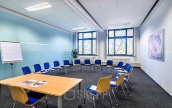 Geräumiger Konferenzraum im Business Center in Berlin Spandau