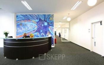 Freundlicher Empfangsbereich im Business Center in Berlin Spandau