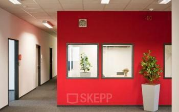 Flur mit schönen Büroräumen zur Miete in Berlin