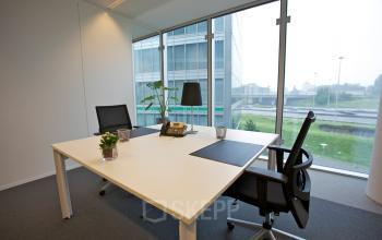 kantoorruimte brussel kantoorunit meubilair uitzicht stoel bureau