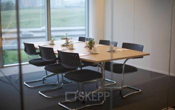 kantoorruimte brussel airport leonardo da vincilaan vergaderruimte kantoorpand stoel bureau