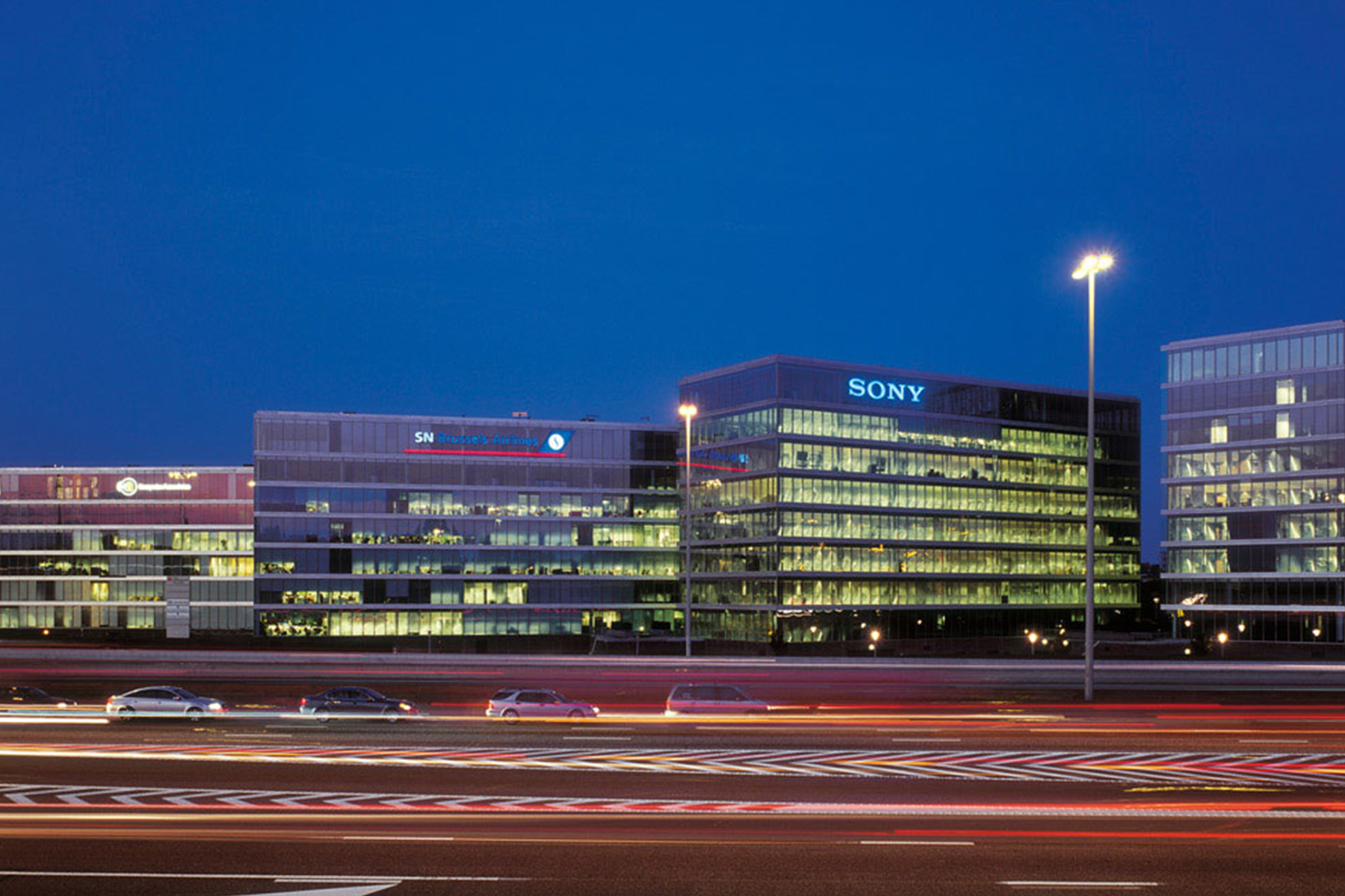 kantoorruimte brussel airport leonardo da vincilaan buitenzijde kantoor vooraanzicht