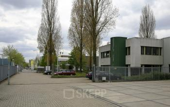 green environment office building to rent