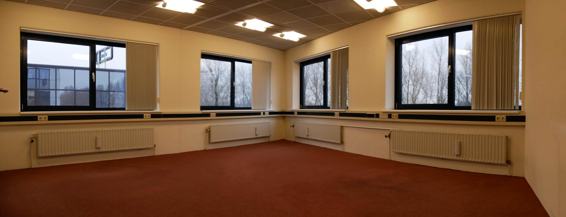 Empty office space Capelle aan den IJssel