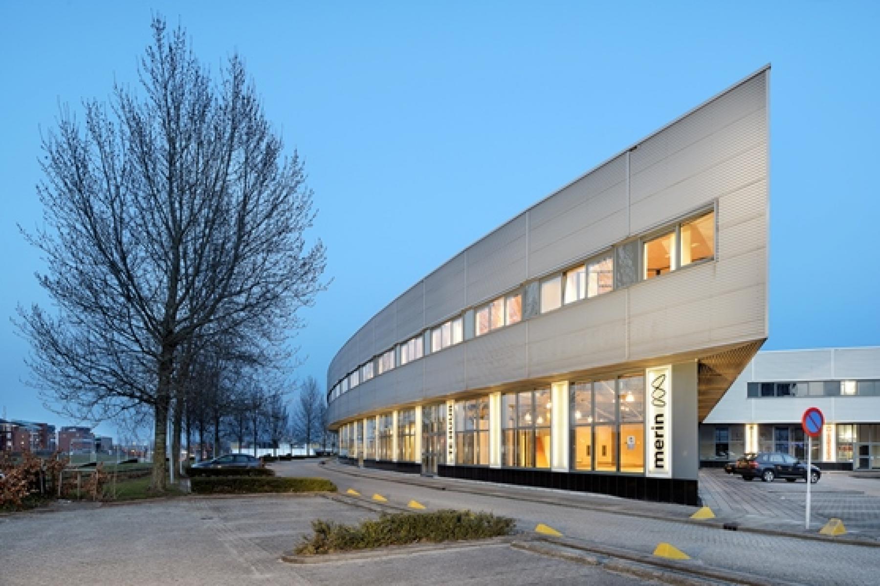 buitenzijde kantoorgebouw rivium boulevard capelle aan den ijssel vlakbij rotterdam