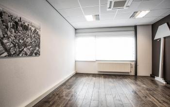 kantoorkamer beschikbaar nog in te richten raam uitzicht deventer zweedsestraat SKEPP