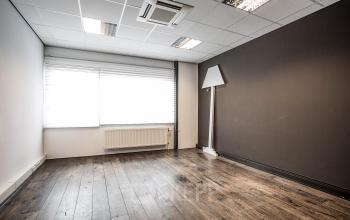 kantoorgebouw zweedsestraat deventer kantoorruimte kantoorkamer raam uitzicht parket