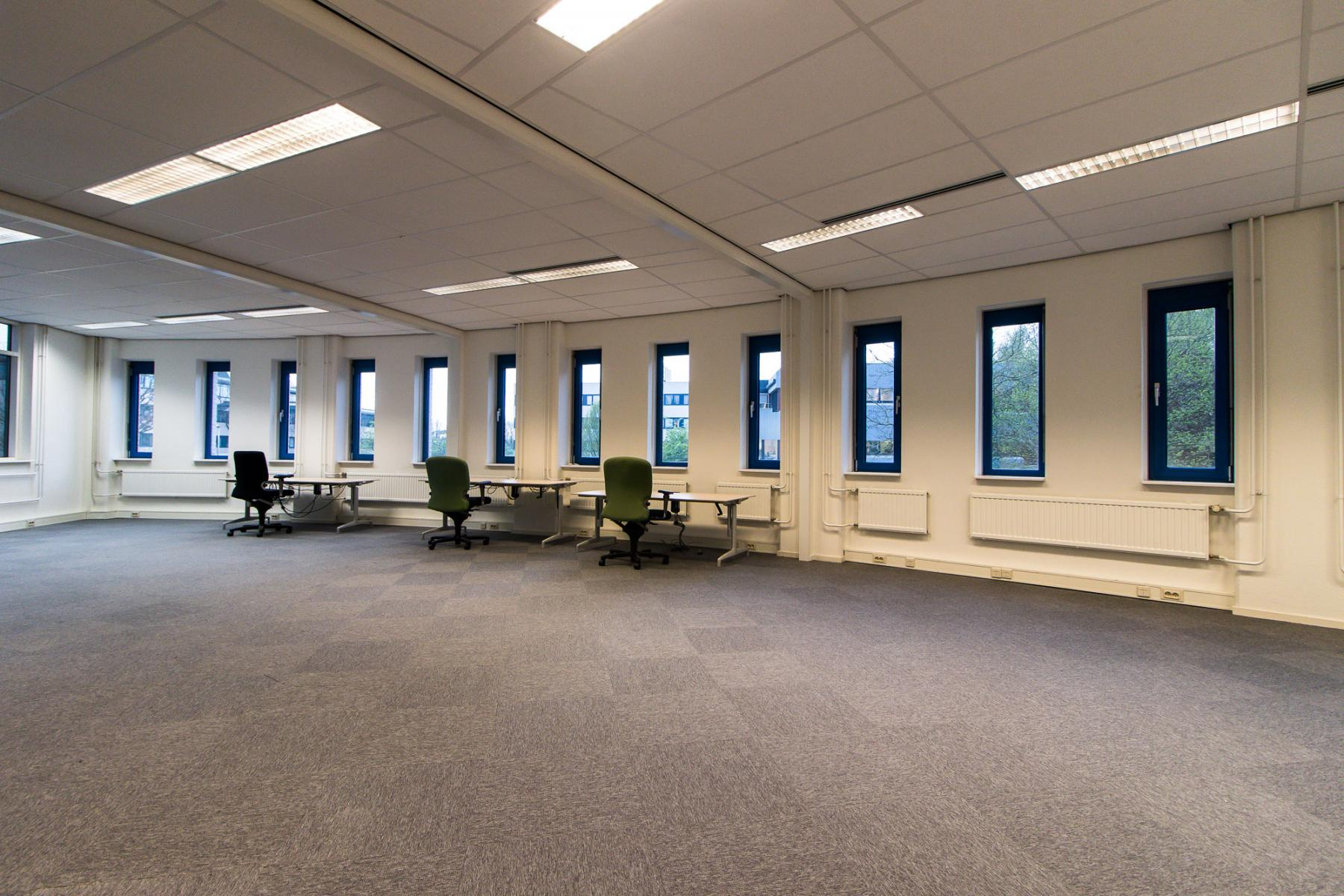 Spacious office space in different sizes