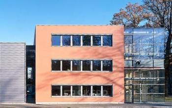 Helle Büroräume mieten im Business Park in Dresden-Klotzsche