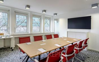 Großer Konferenzraum der Immobilie in Düsseldorf