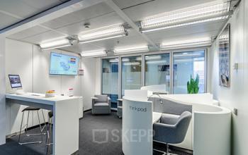 Bequeme Business Lounge des Bürogebäudes in Düsseldorf