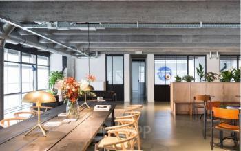 Arbeitsplätze in stilvoller Coworking-Area