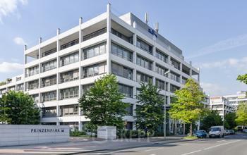 Stilvolle Außenansicht des Bürogebäudes in Düsseldorf-Heerdt
