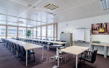 Großer Konferenzraum des Bürogebäudes in Düsseldorf, Heerdt