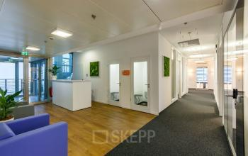 Modernes Business Center mieten in Düsseldorf Medienhafen