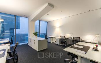 Moderne Büroflächen mieten in Düsseldorf Medienhafen