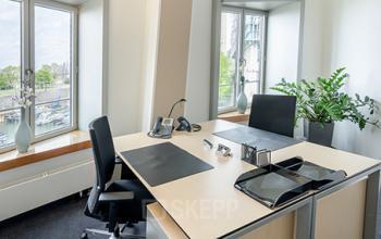 Modernes Büro zur Miete am Neuen Zollhof, Düsseldorf