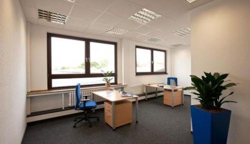 Hellen Büroraum mieten in Düsseldorf Süd