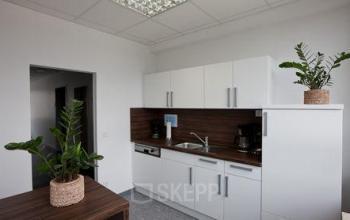 Voll ausgestattete Küche im Business Center in Düsseldorf