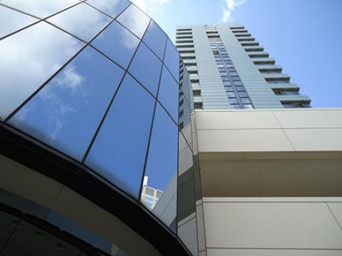 Beeindruckende Außenansicht des Bürogebäudes in Düsseldorf-Altstadt