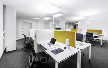 Moderne Arbeitsplätze in offener Coworking-Area