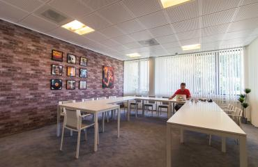 Conference rooms per hour or daypart for rent