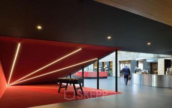 begane grond kantoorgebouw eindhoven gemeenschappelijke ruimte tafelvoetbal