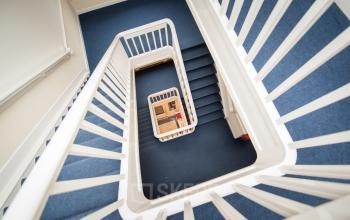 trappenhuis van kantoorpand enschede