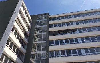 Außenansicht Bürogebäude mit Glasfassade