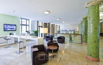 Bequeme Business Lounge der Immobilie im Bahnhofsviertel in Frankfurt
