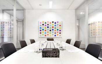 Moderner Konferenzraum im Business Center in Frankfurt Bockenheim an der Theodor-Heuss-Allee