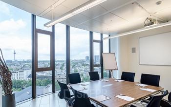 Großer Konferenzraum des Bürogebäudes in Frankfurt