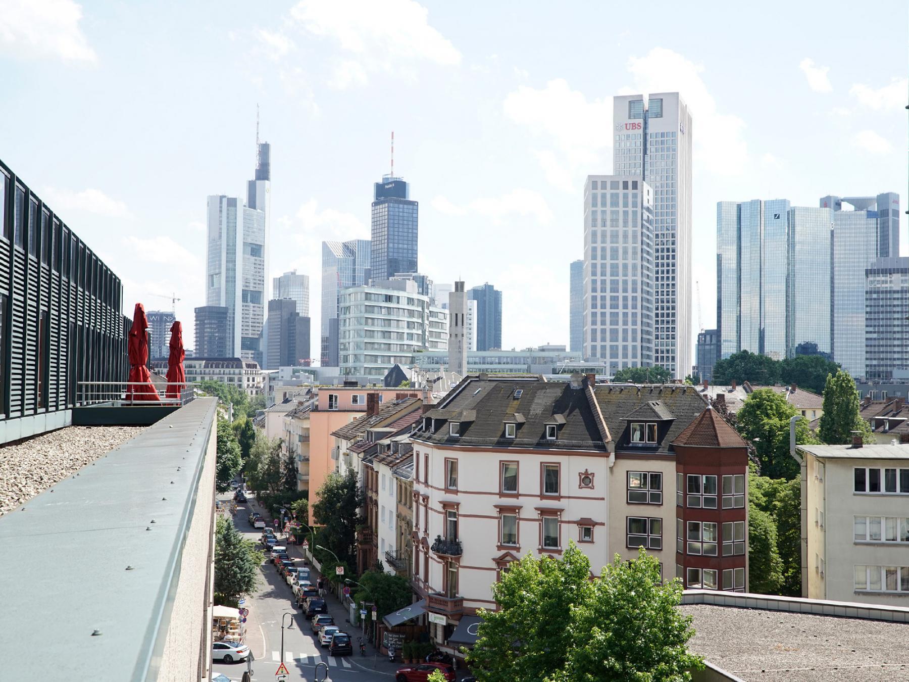 Atemberaubende Aussicht auf die Frankfurter Skyline
