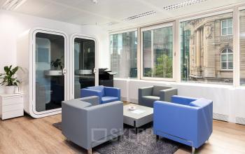 Gemütliche Sitzecke zum Entspannen und für Besprechungen