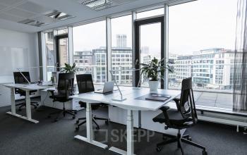 Großes modernes Büro mit fantastischer Aussicht