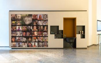 Business Center in Frankfurt Innenstadt mit kreativem Eingangsbereich