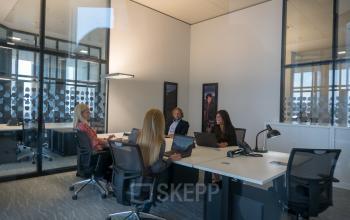 Großer Büroraum mieten in Frankfurt an der Neue Mainzerstraße