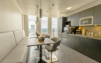 Schöne Küche im Bürogebäude in Frankfurt